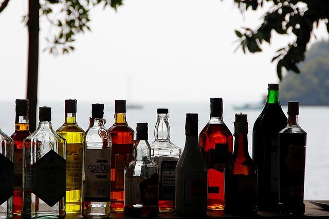 Почему появляется понос после употребления алкоголя?