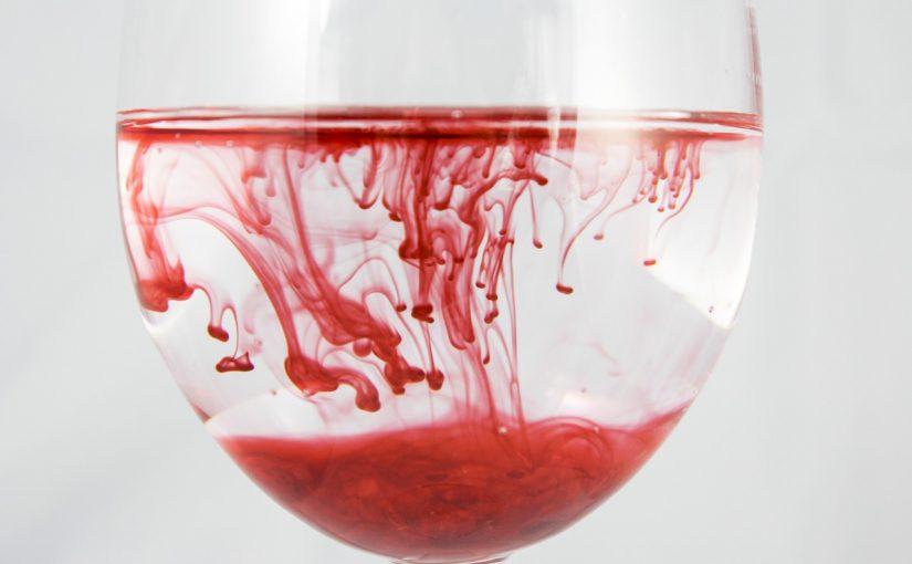 Что означает кровь в кале