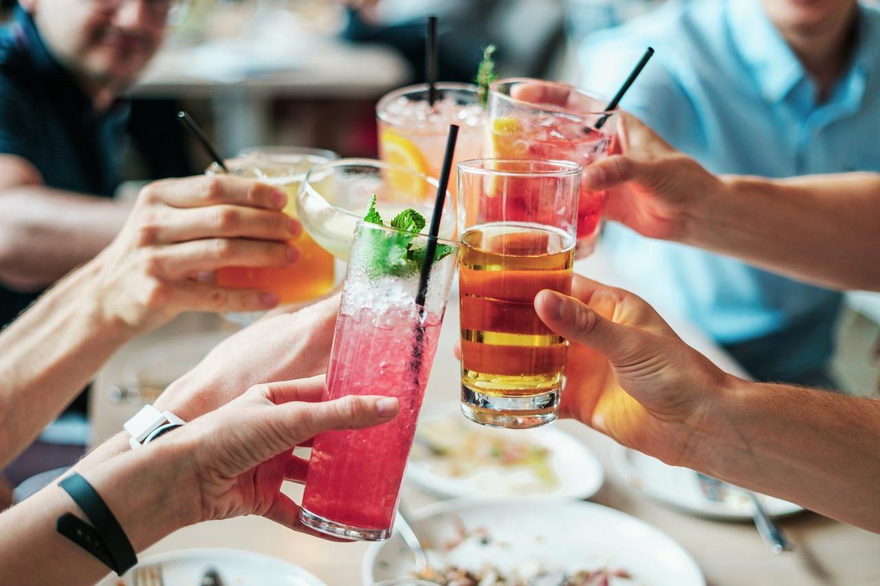 Боль в почках после употребления алкоголя: причины и осложнения