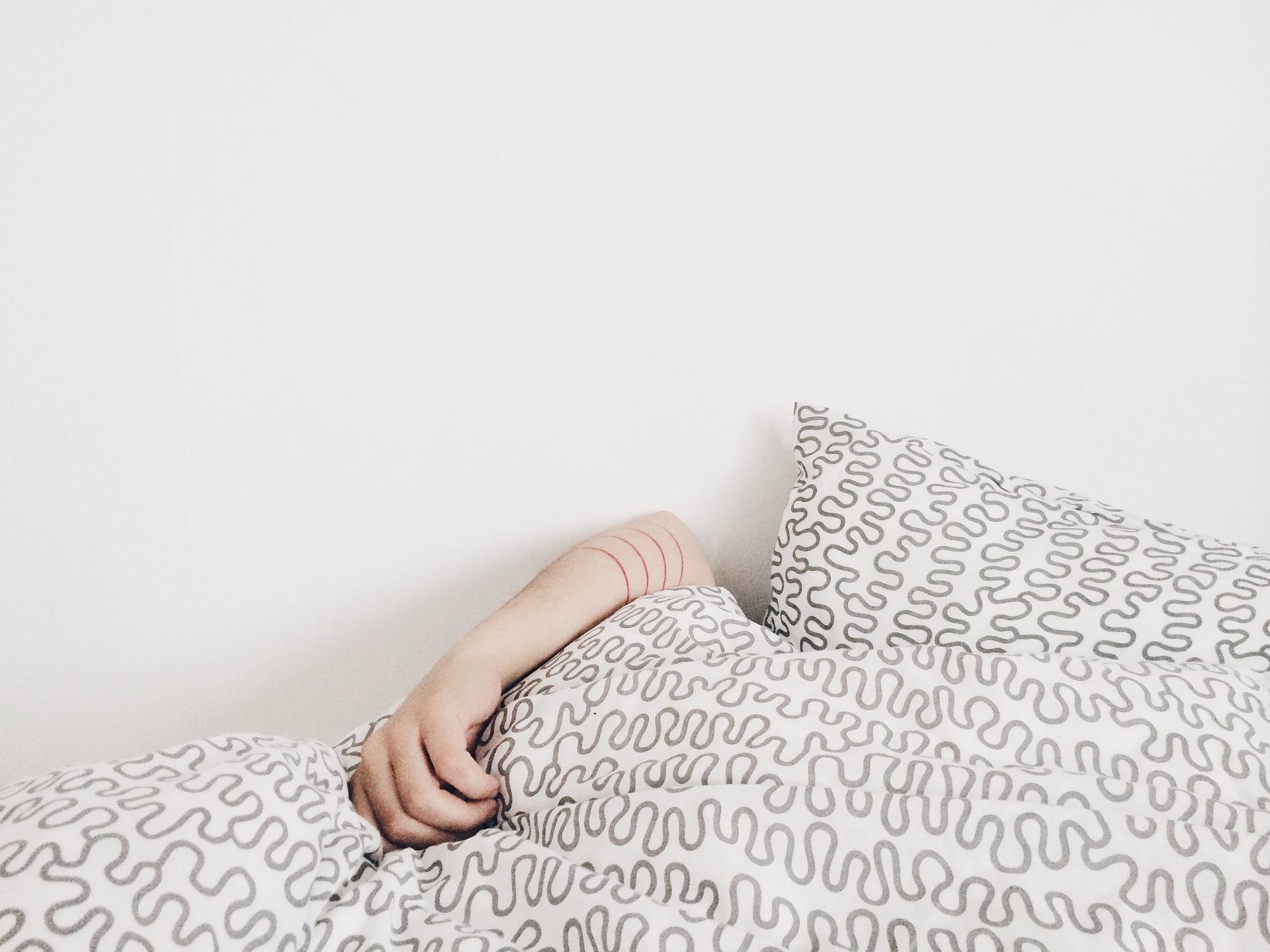 Почему немеют руки по утрам
