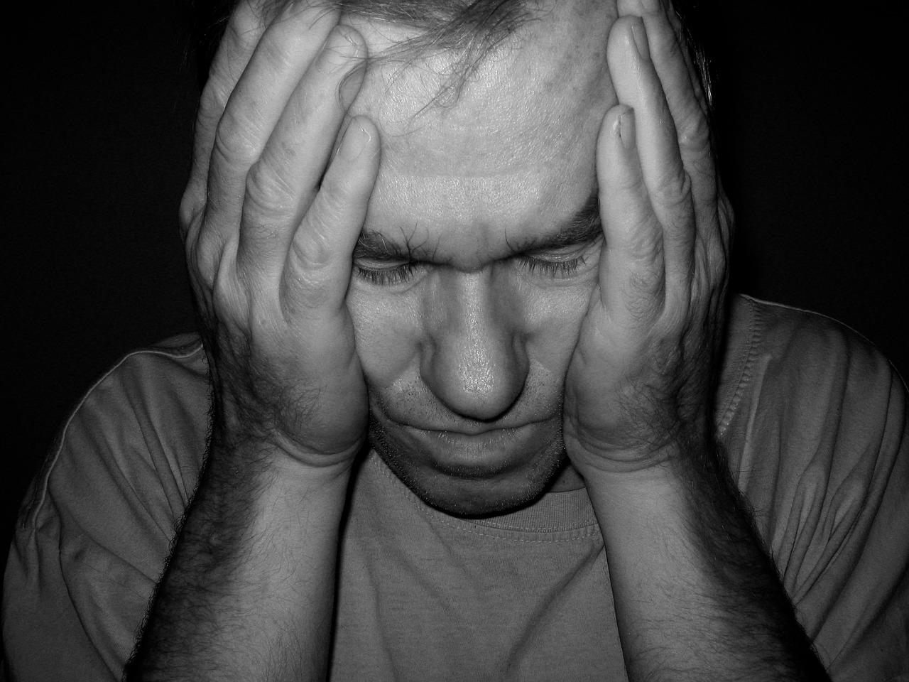 Боль в горле и головная боль